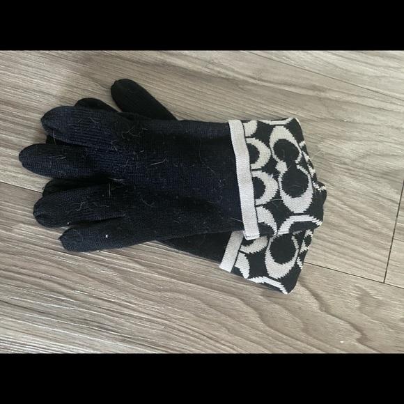 Coach technology gloves